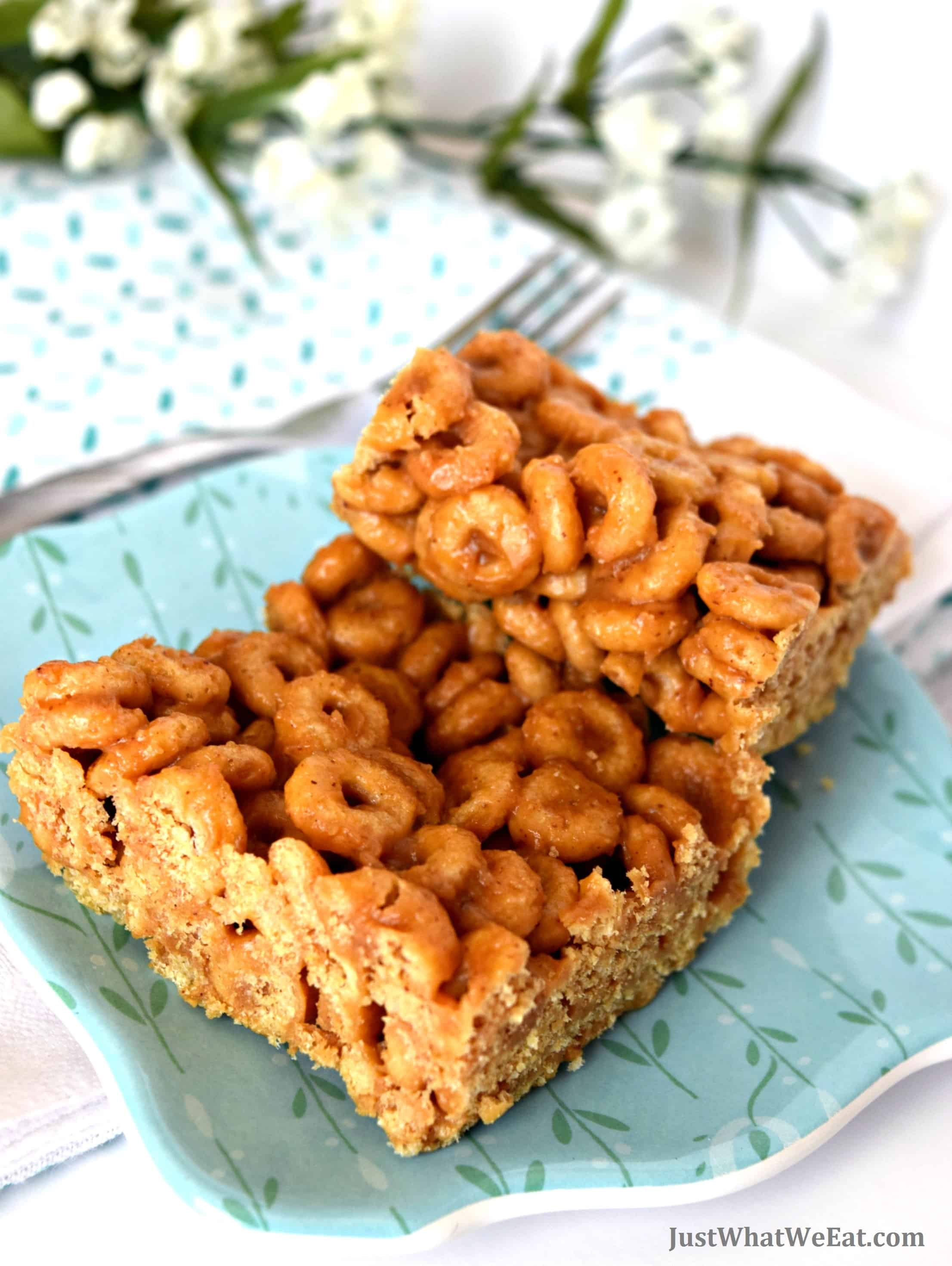 Peanut Butter Cereal Bars - Gluten Free, Dairy Free, & Refined Sugar Free