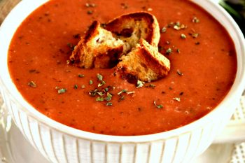 This gluten free and vegan Creamy Roasted Tomato Soup is WONDERFUL! There is so much flavor packed in each bowl. It's creamy, warm, and delicious! #glutenfree #dairyfree #vegan #tomato #fall #recipes