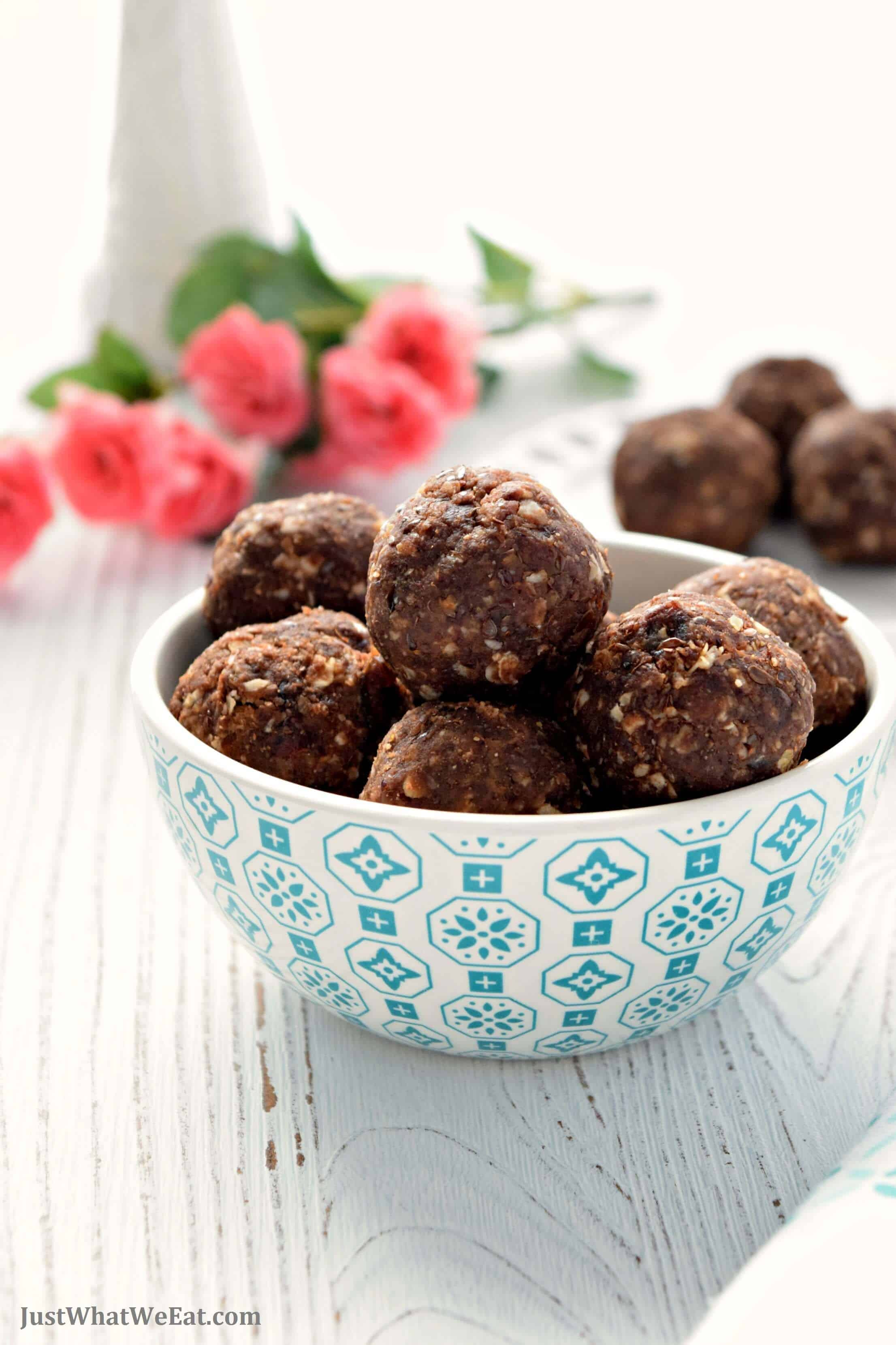 Chocolate Peanut Butter Energy Bites - Gluten Free, Vegan, Refined Sugar Free