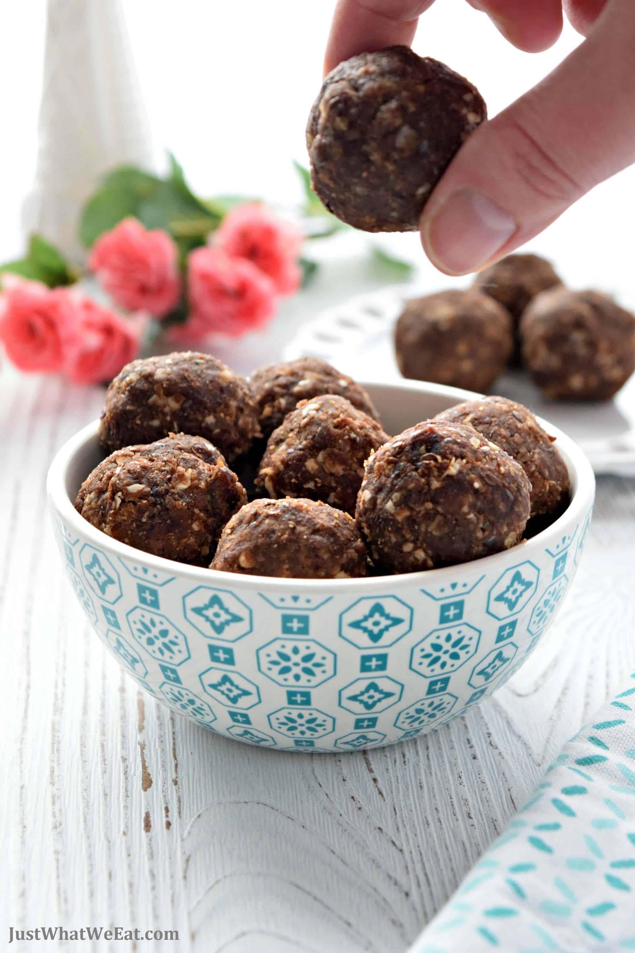 Chocolate Peanut Butter Energy Bites - Gluten Free, Vegan, Refined Sugar Free