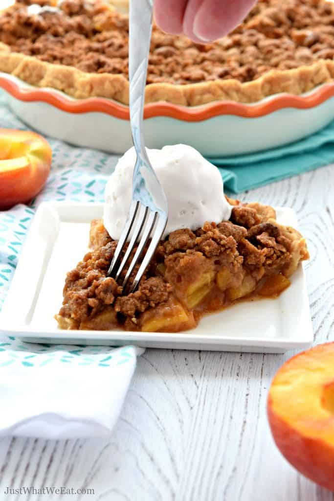 This Peach Pie is filled with fresh peaches and topped with the most delicious crumble topping. It's gluten free, vegan, refined sugar free, and tastes amazing!